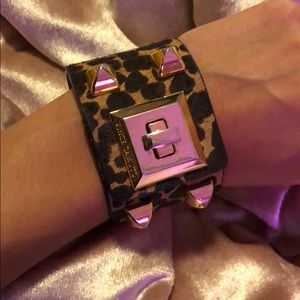 Vince camuto cuff bracelet cheetah print